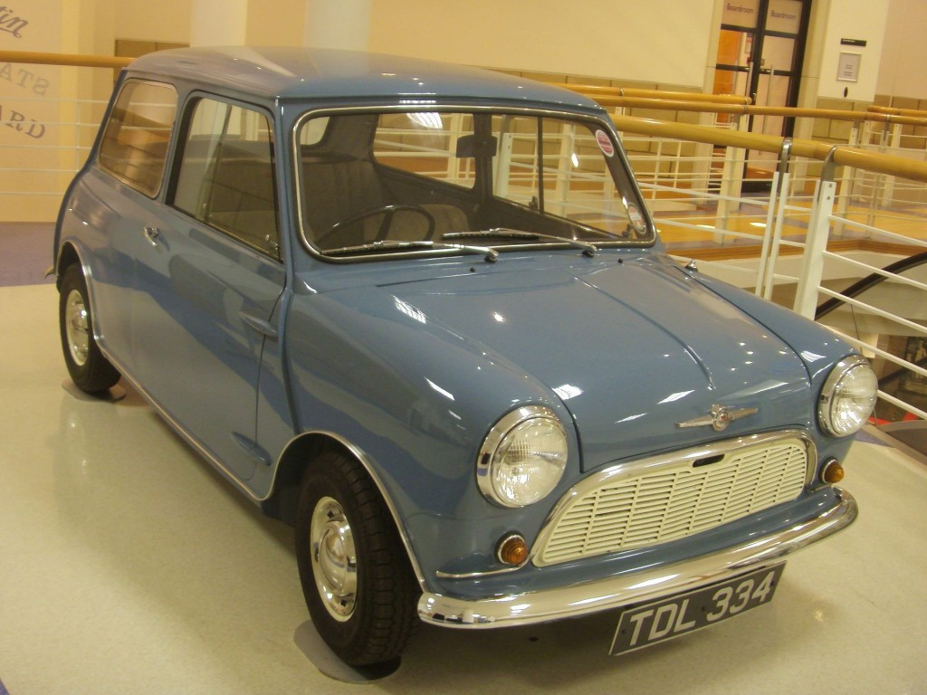 1959_Morris_Mini-Minor_Heritage_Motor_Centre,_Gaydon
